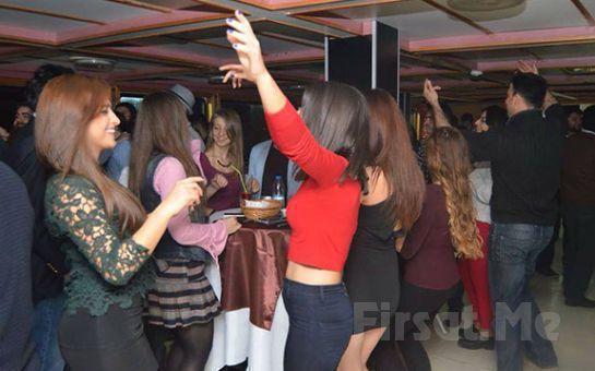 Şato Aşk Gemisi'nde 8 Mart Dünya Kadınlar Günü'ne Özel Program Canlı Müzik ve Zengin Menü İle Kadınlar Matinesi