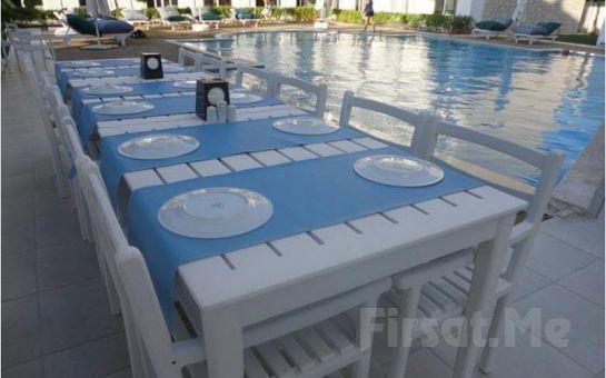 Çeşme Hotel Yeni Residence'de Kişibaşı Konaklama ve Kahvaltı Dahil Tatil Fırsatı!