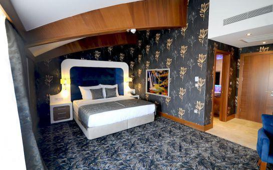 Elite Hotel Darıca Spa Convertion'da 2 Kişi 1 Gece Konaklama ve Kahvaltı