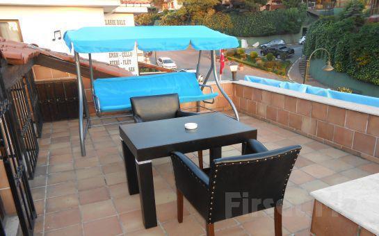 Beykoz Mavilla Hotel'in Deniz Manzaralı Odalarında 2 Kişi Kişi 1 Gece Konaklama + Kahvaltı, İçki Dahil Akşam Yemeği Seçeneği!