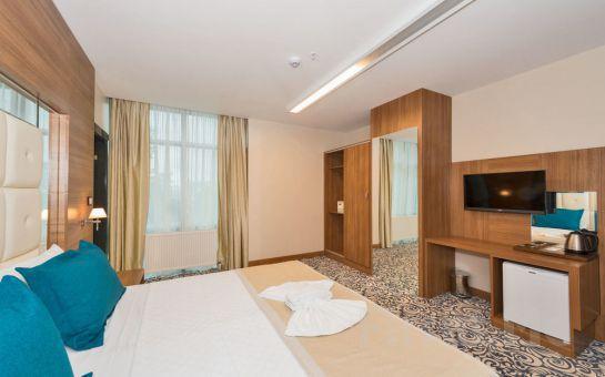 Güneşli New My World Hotel'de 2 Kişi 1 Gece Konaklama + Kahvaltı Fırsatı!