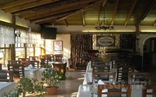 Eşsiz Doğaya Sahip Tarihi Tuzla Termal Hotel'de 2 Kişi 1 Gece Konaklama ve Kahvaltı Seçenekleri