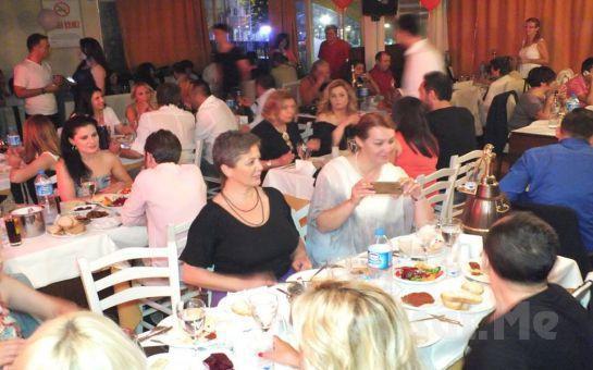 Kadıköy Keyifli Meyhane'de Haftanın Hergünü Ünlü Sanatçılar ve Leziz Tatlar Eşliğinde Meyhane Keyfi
