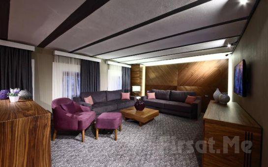 Denize Sıfır Mudanya Montania Special Class Hotel'de 2 Kişi 1 Gece Konaklama + Kahvaltı Keyfi!