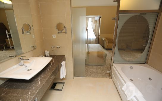 5 Yıldızlı The Green Park Hotel Merter'de Standart Odalarda 2 Kişi 1 Gece Konaklama Keyfi, Kahvaltı Seçeneğiyle!
