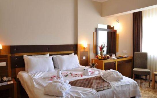 Leggo Tur'dan 5* İğneada Resort Otel'de YP Konaklama Dahil Trakya'da Bağbozumu, Bağ Gezileri, Şarap Tadımı, Dupnisa Mağarası, İğneada Turu