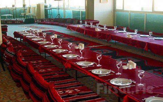 Şehrin Etkileyici Manzarası Eşliğinde Dedeman Şanlıurfa'da 2 Kişi 1 Gece Konaklama Keyfi Kahvaltı Seçeneğiyle!