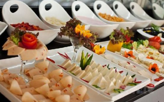 Taksim City Center Hotel'in Şık ve Modern Odalarında Kişi Seçenekleriyle Konaklama ve Kahvaltı Keyfi!