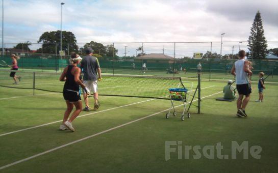Kozyatağı Tennis Club'da Uzman Tenis Hocaları Eşliğinde 8 Saatlik Tenis Eğitimi ve 1 ay Sınırsız Kort Kullanımı!