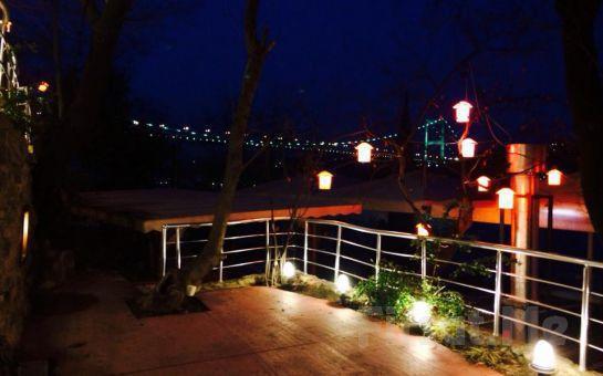 Rumeli Hisarı Seyir Terrace Restaurant'ta Boğaz'a Karşı Canlı Müzik ve Leziz Menü Eşliğinde Yılbaşı Eğlencesi!