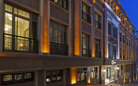 Konforu Teknoloji İle Buluşturan Manesol Boutique Galata'da 2 Kişi 1 Gece Konaklama Keyfi!