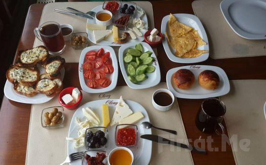 Boğaz Manzaralı Kuzguncuk Olcay Restaurant'ta Hafta Sonlarına Özel 2 Kişilik Serpme Kahvaltı Keyfi!