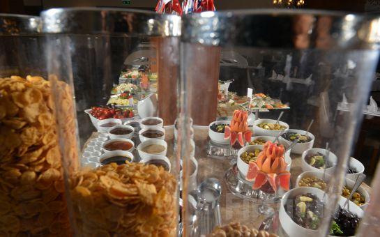 Yalova Lova Hotel, Spa'da Açık Büfe Kahvaltı Keyfi, Akşam Yemeği, Spa ve Masaj Seçenekleri