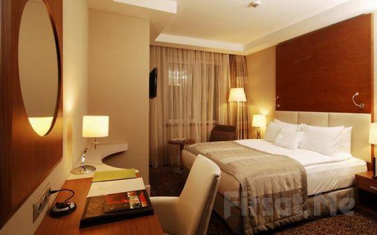 Ankara Bera Hotel'de Deluxe Odalarda 2 Kişi 1 Gece Konaklama ve SPA Keyfi Kahvaltı Seçeneğiyle!
