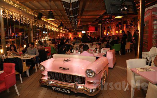 Üsküdar Cafe Hollywood City'de 14 Şubat Sevgililer Gününe Özel Keman Eşliğinde Romantik Akşam Yemeği