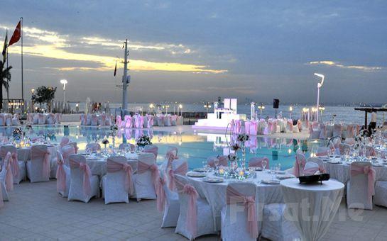 İstanbul Yelken Kulübü'nde Nuri Yüceses ile Canlı Müzik Eşliğinde İçki Dahil Sevgililer Günü Kutlaması
