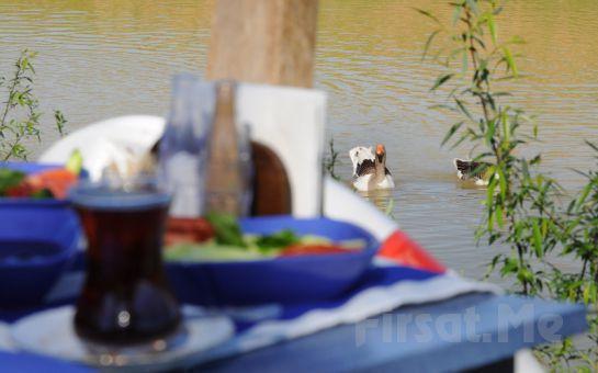 Şile Nehri Kenarında Façiba'da, Sıcak İkramlar ve Sınırsız Çay Eşliğinde Serpme Köy Kahvaltısı