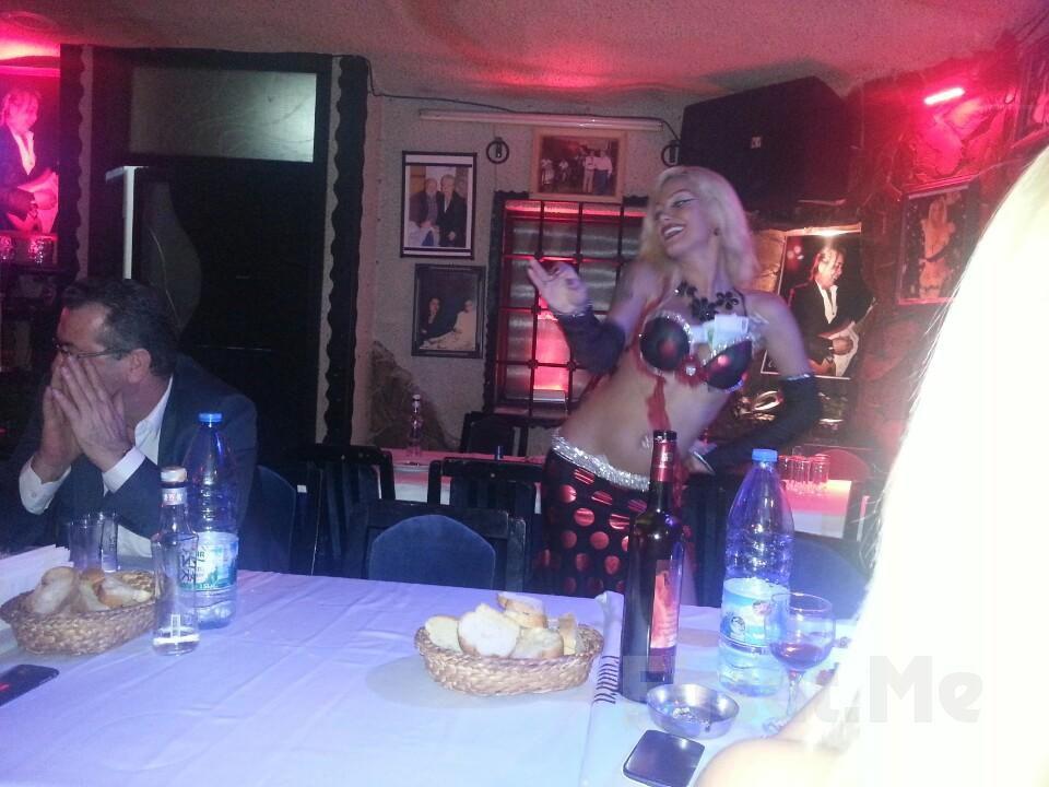 Kumkapı Patara'da Oryantal Showlar, Sanatçılar ve Fasıl Eşliğinde Muhteşem Yılbaşı Menüsü! (Sınırsız İçki Dahil)
