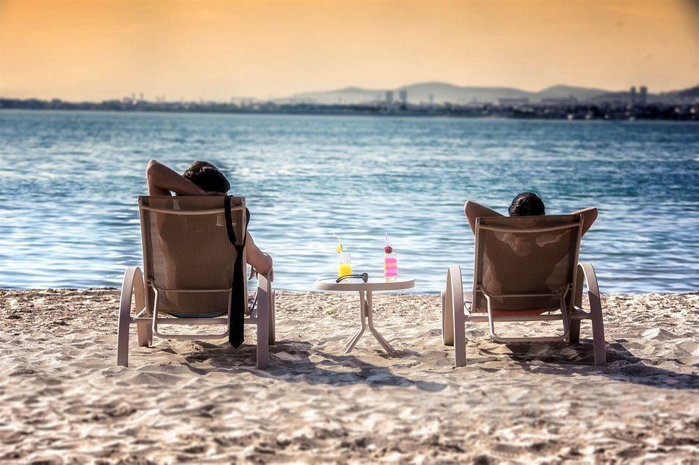 Bayramoğlu Hegsagone Marine Asia Otel'de Deniz Manzaralı Odalarda 2 kişi 1 Gece Kahvaltı Dahil Konaklama Keyfi!
