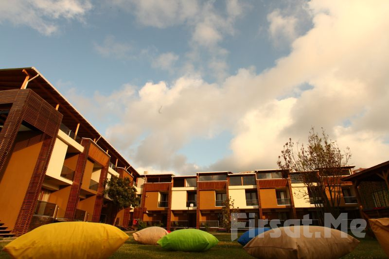 Denize Sıfır Ağva Mad Sea Beach Hotel'de 2 Kişi 1 Gece Konaklama + Kahvaltı + Plaj Kullanımı!