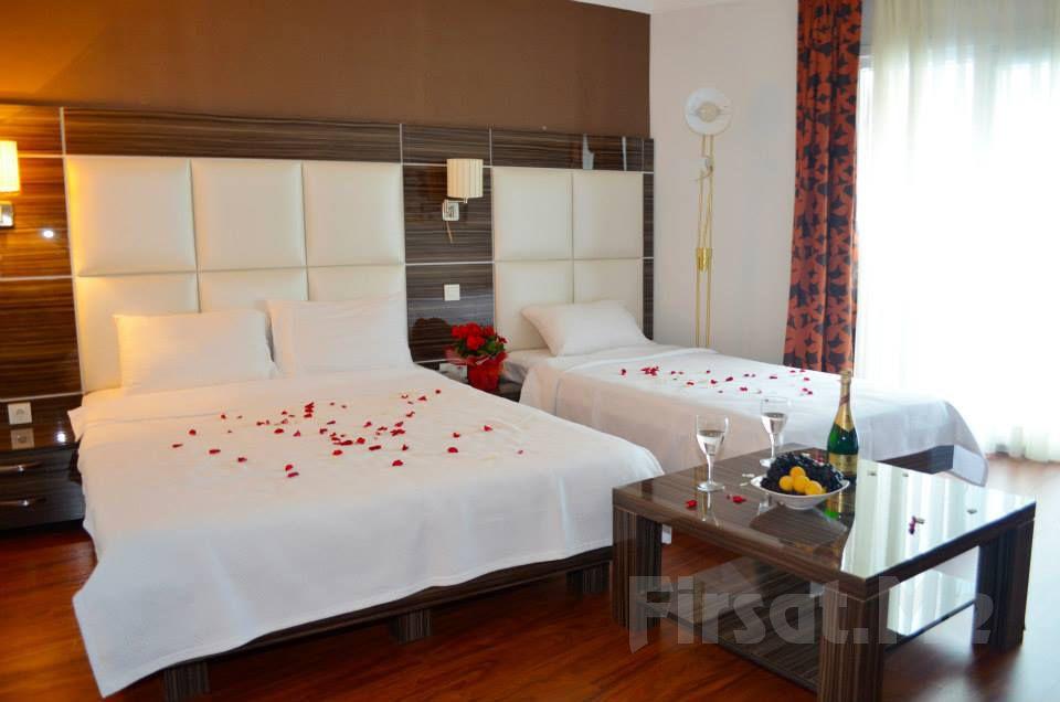 Hotel La Piano'da 2 Kişi 1 Gece Konaklama, Kahvaltı Seçenekleri