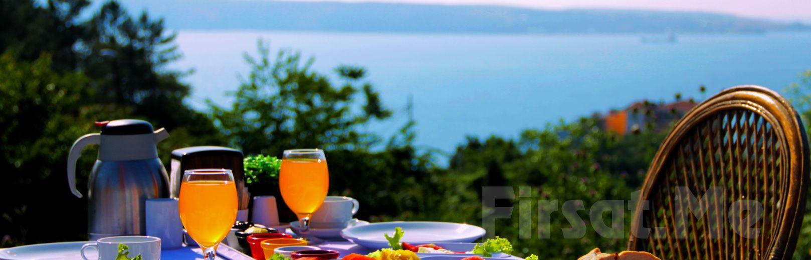 Anadolu Feneri'nde, Boğaz'a Karşı Açık Büfe Kahvaltı Keyfi!
