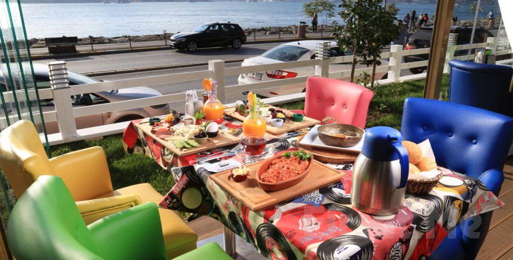 Salacak'da Kız Kulesi ve Boğaz Manzarası Eşliğinde Cafe Hollywood City'de Kahvaltı Keyfi!