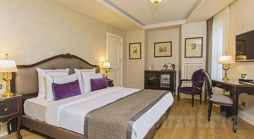 Galata Meroddi Bağdatliyan Butik Hotel'de 2 Kişi 1 Gece Kahvaltı Ve Konaklama Keyfi!