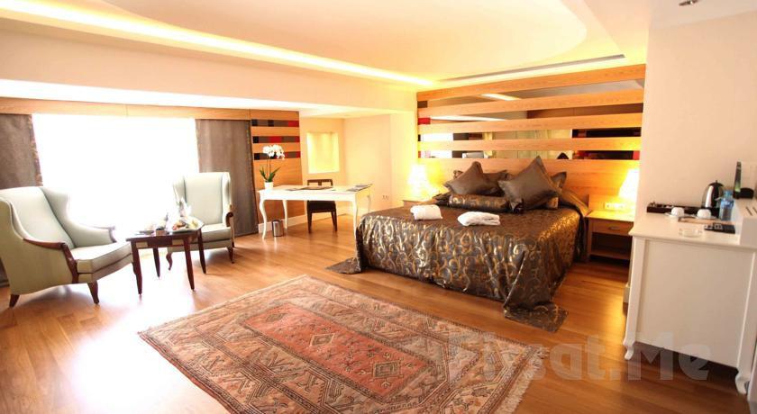 The Green Park Hotel Taksim'de 2 Kişi 1 Gece Konaklama ve Kahvaltı Keyfi