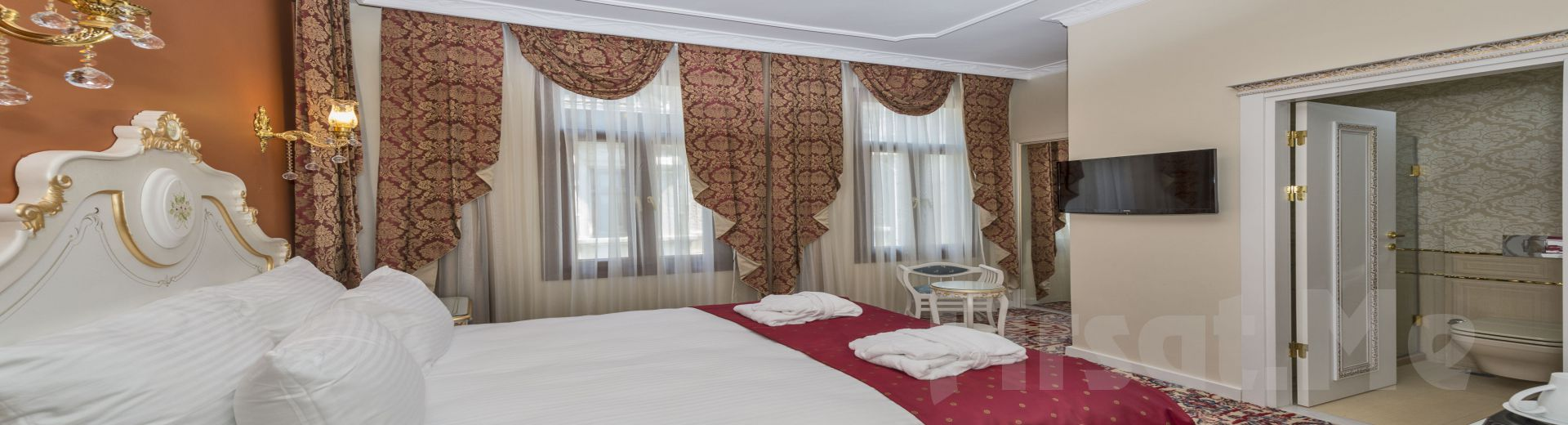 By Murat Crown Hotel Asmalımescit'de 2 Kişi 1 Gece Konaklama Keyfi!