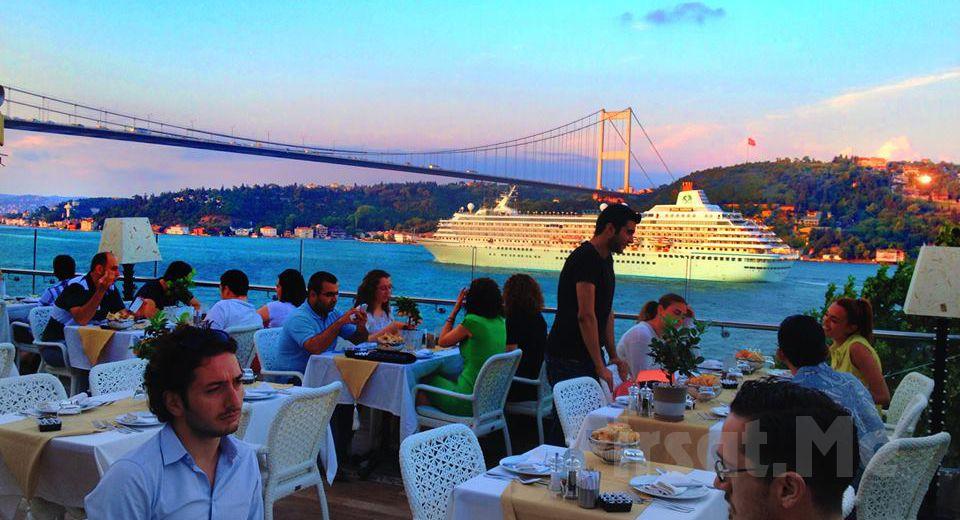 Muhteşem Boğaz Manzaralı Rumeli Hisarı Seyir Terrace Agaro Meyhanesinde, Fasıl Eşliğinde Leziz Akşam Yemeği
