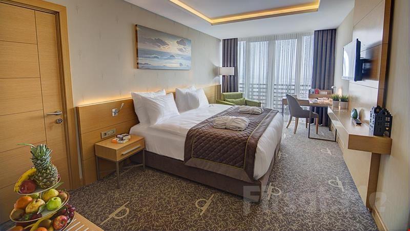 Ramada Bursa Hotel Çekirge'de 2 Kişi 1 Gece Konaklama ve Kahvaltı Keyfi!