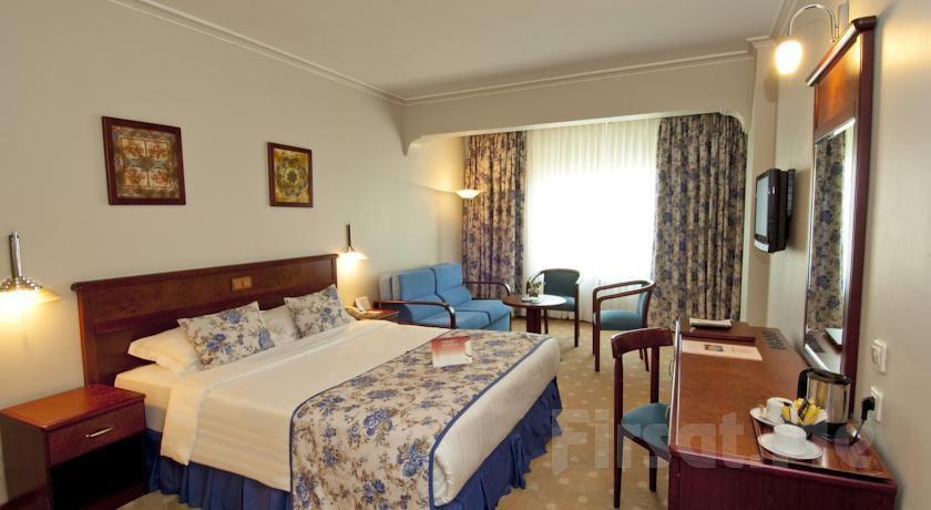 Akgün İstanbul Hotel Topkapı'da 2 Kişi 1 Gece Konaklama Keyfi, Kahvaltı Seçeneğiyle!