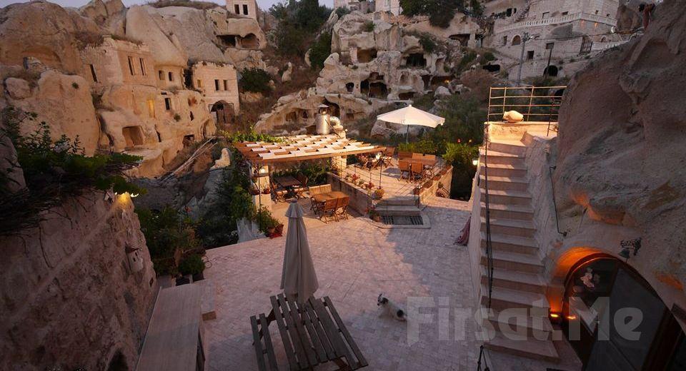 Öykü Evi Cave Hotel Cappadocia'da Jakuzili, Şömineli ve Özel Teraslı Odalarda Çift Kişi Konaklama ve Kahvaltı Seçenekleri!
