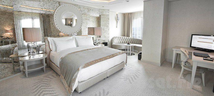 Wyndham Grand İstanbul Kalamış Marina Otel'de 2 Kişi 1 Gece Konaklama Keyfi Kahvaltı Seçeneğiyle
