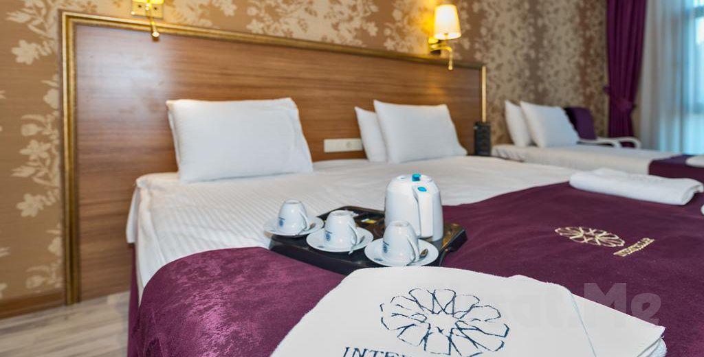 İstanbul Merter Interstellar Hotel'de Konaklama ve Kahvaltı!