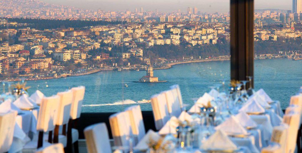 City Center Hotel Bedrud Meyhane Taksim'de Boğaz Manzarası Eşliğinde İçecek Dahil Leziz Yemek Menüleri!
