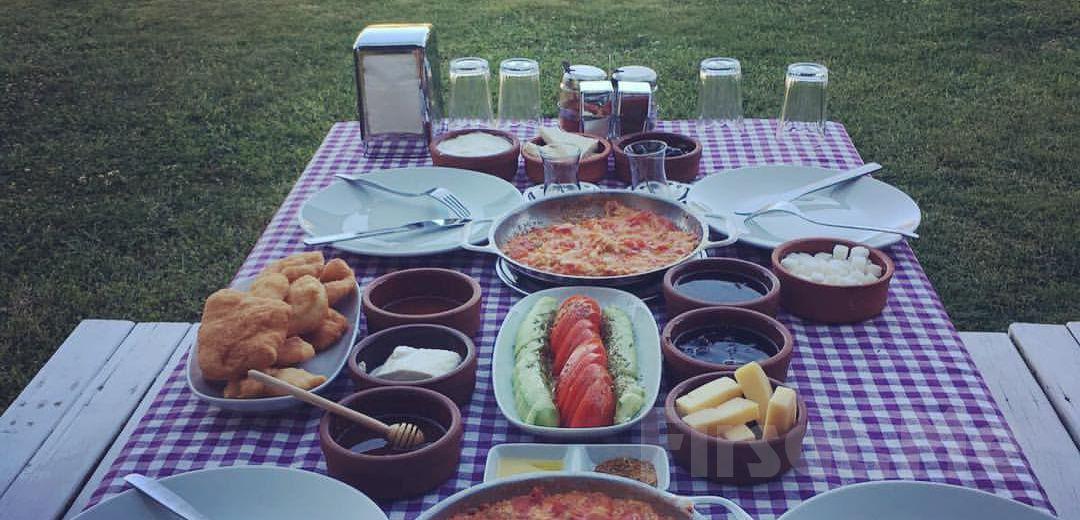 Patlıcan Polonezköy'de Doğa ile Başbaşa Serpme Kahvaltı Keyfi!