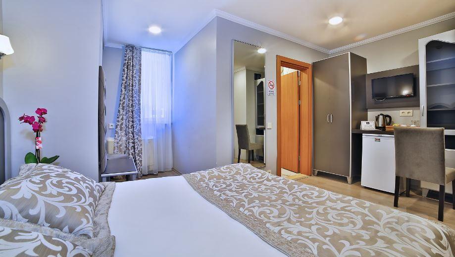Adalar Manzaralı Şanlı Suit Hotel Maltepe'de Konaklama ve Kahvaltı Keyfi!