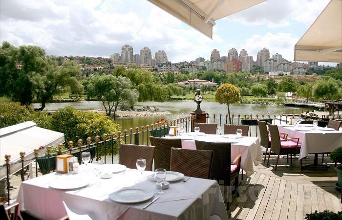 Bahçeşehir Göl Et Restaurant'ta Nefis Manzara Eşiliğinde Serpme Kahvaltı Keyfi!