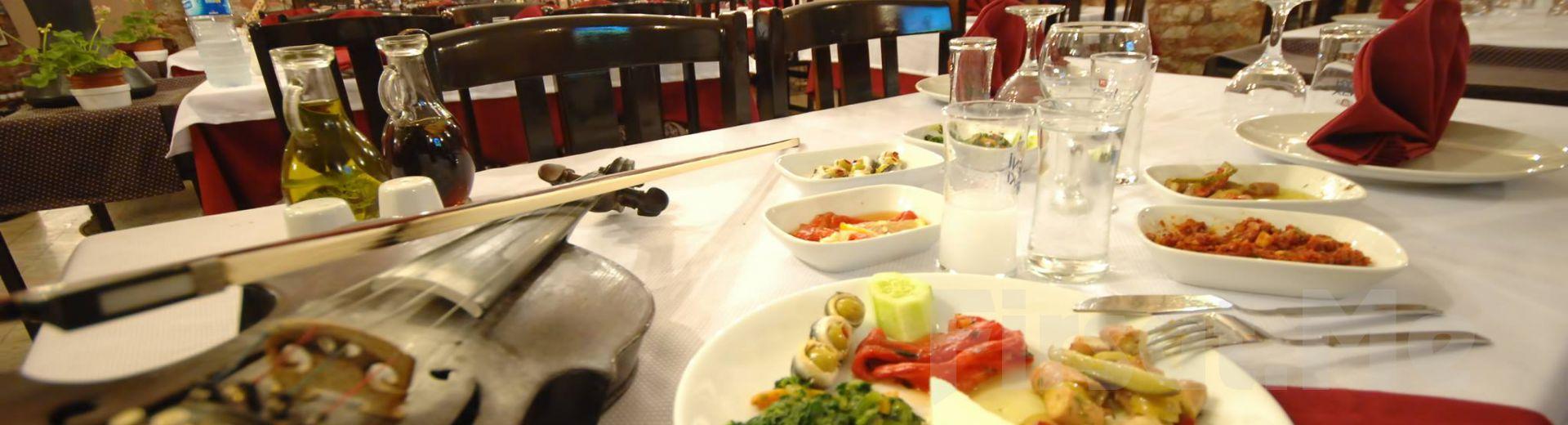 Kumkapı Tonoz Restaurant'ta İçki Dahil Fasıllı Leziz Yemek Menüsü ve Doyasıya Eğlence