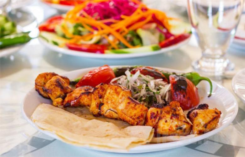 Bakırköy Şehristan Cafe Restaurant'ta Leziz İftar Menüleri