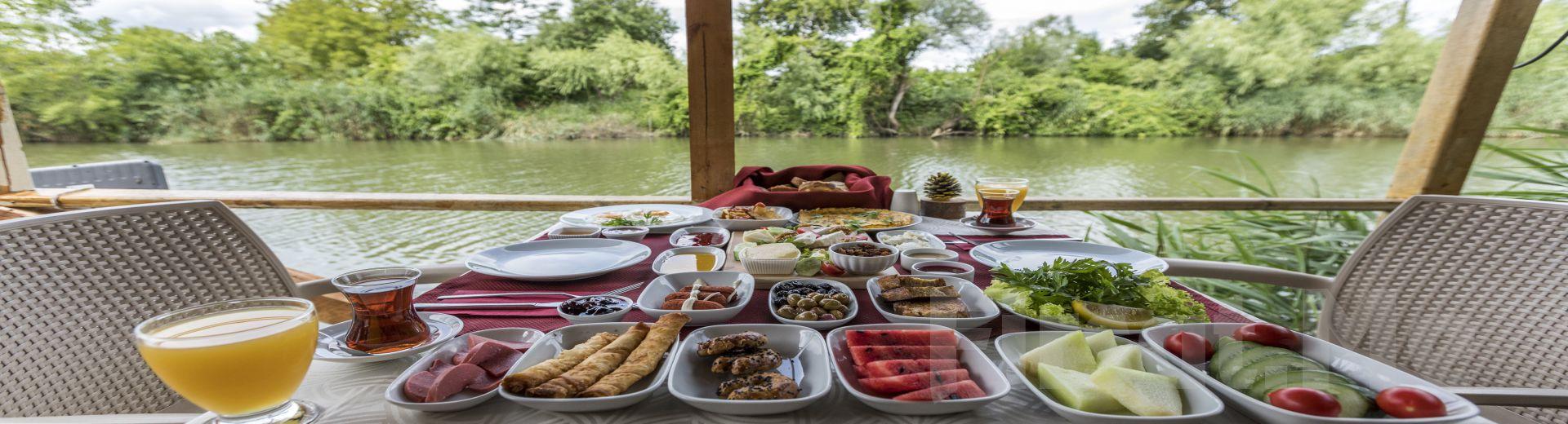 Göksu Nehri Kenarında Ağva El Rio Motel'de Kahvaltı Fırsatı