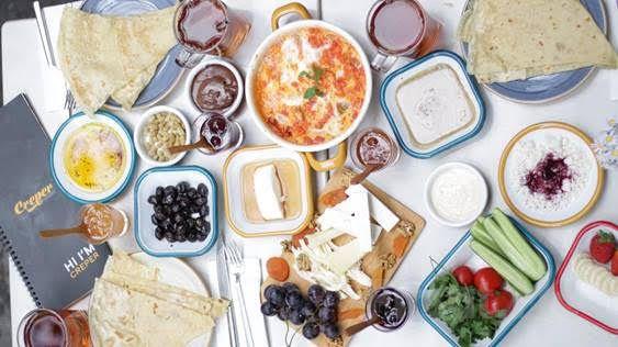 Creper Karaköy'den Sınırsız Çay Eşliğinde Zengin İçerikli Enfes Serpme Kahvaltı
