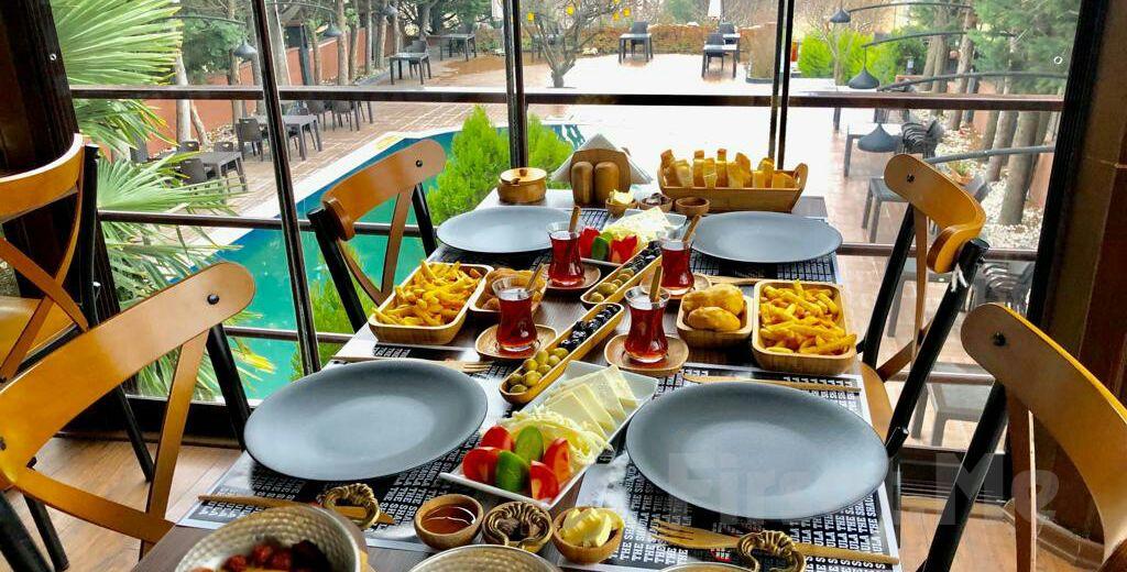 Beylikdüzü The Shaula'nın Şık Sunumuyla Serpme Kahvaltı Keyfi