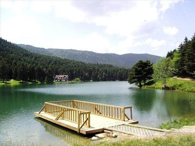 TurdayCım.com'dan Hereke'de Serpme Kahvaltı ve Öğlen Yemeği Dahil Günübirlik Abant ve Cennet Göl Turu