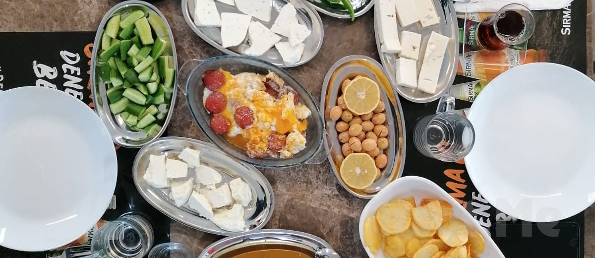 Polonezköy Esat Bey Çiftliği Mandıra Filozofu'nda Açık Büfe Köy Kahvaltısı