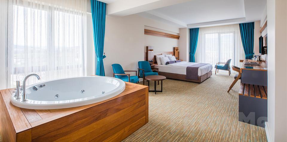 Bolu Karpalas Hotel'de Kahvaltı Dahil 2 Kişilik Konaklama Seçenekleri