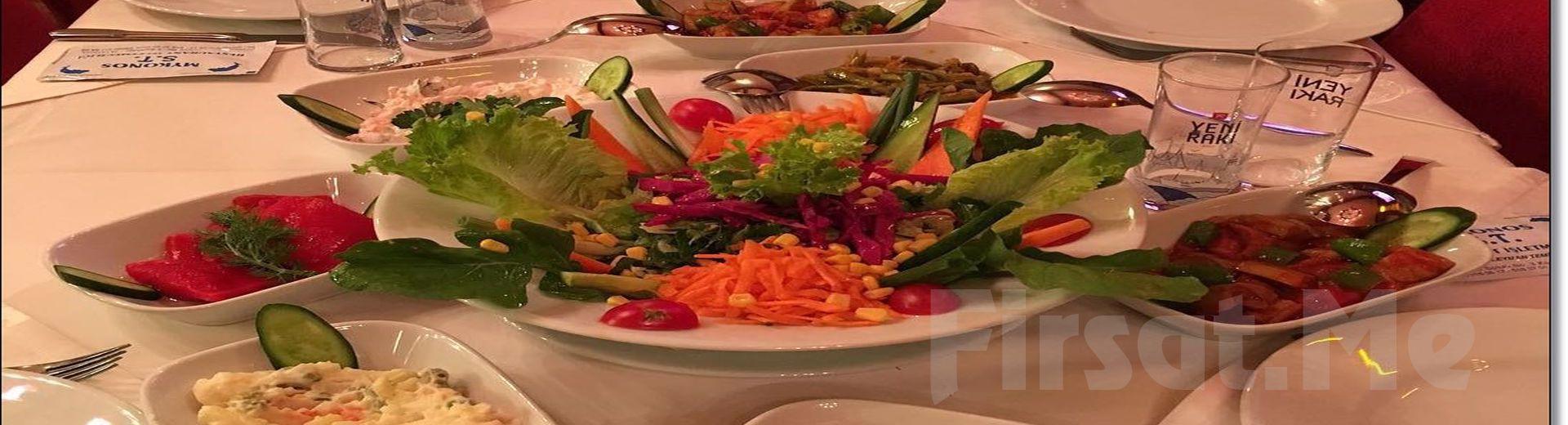 Kumkapı Mykonos Restaurant'ta İçecek Dahil Lesis Akşam Yemeği ve Fasıl Eşliğinde Doyasıya Eğlence Doyasıya Eğlence