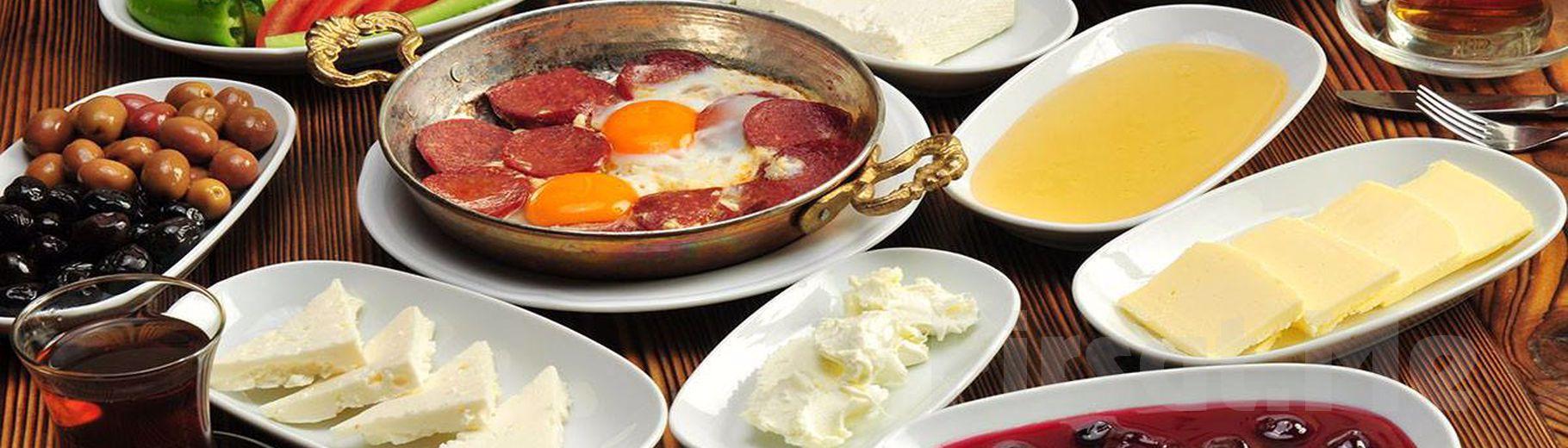 Kanlıca Paysage Restaurant'ta Doğa ve Boğaz Manzarası Eşliğinde Serpme Kahvaltı Keyfi